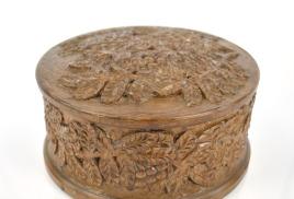 Как покрыть лаком деревянную резную шкатулку